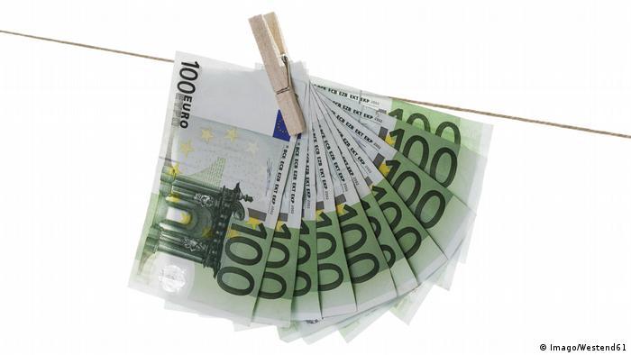 Symbolbild Geldwäsche (Imago/Westend61)