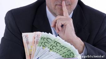 Τρισεκατομμύρια βρώμικου χρήματος φαίνεται ότι διακινήθηκαν μέσω των τραπεζών