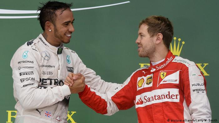 Lewis Hamilton und Sebastian Vettel (picture-alliance/Larry W. Smith)