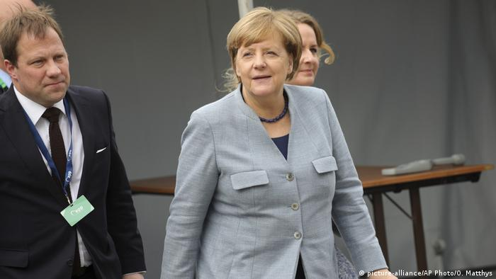 Belgien EU-Gipfel Kanzlerin Merkel (picture-alliance/AP Photo/O. Matthys)