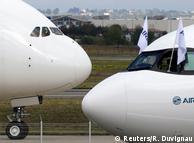 Airbus A380 (ліворуч) та Airbus A330neo