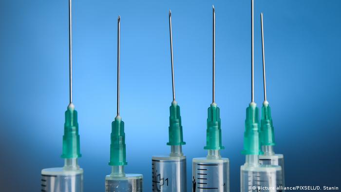Injections (picture alliance/PIXSELL/D. Stanin)