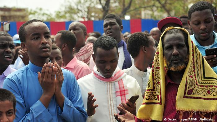 Петъчна молитва в Могадишу. Наистина ли Турция се опитва да примами сомалийците?