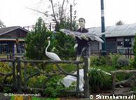 مجسمهی صیادی ایرانی در میدانی در یکی از شهرهای ساحلی خزر