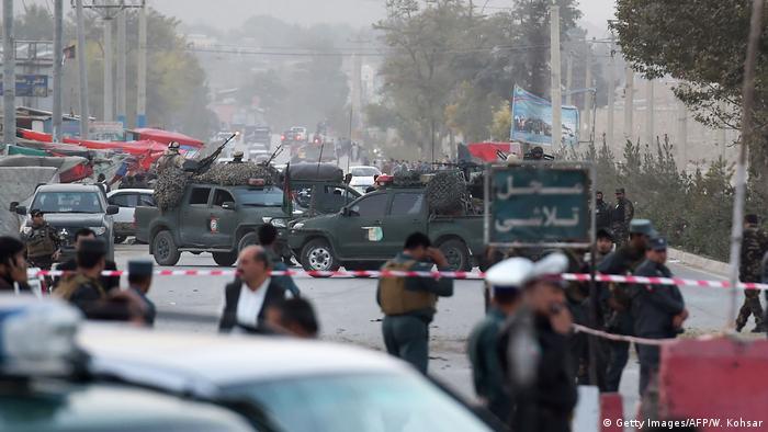 Afghanistan Selbstmordattentat auf Militärbasis in Kabul (Getty Images/AFP/W. Kohsar)