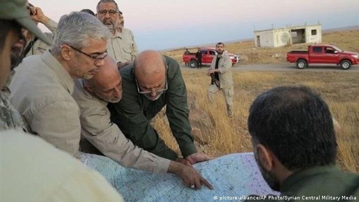 محمد باقری، رئیس ستاد کل نیروهای مسلح ایران وهمراهانش در نزدیکی حلب