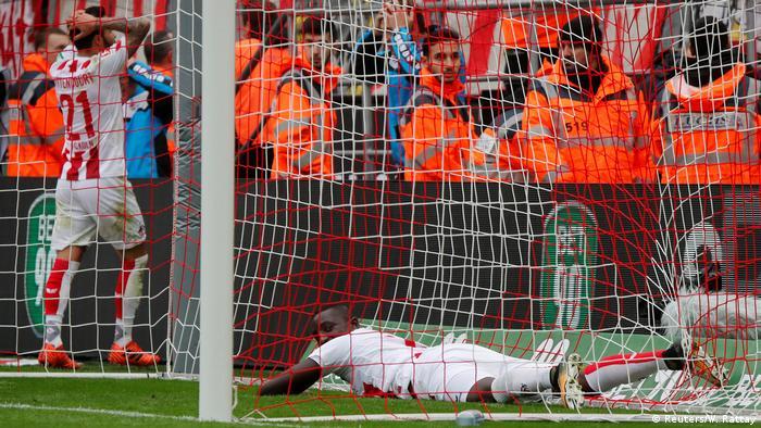 1. Bundesliga 9. Spieltag | 1. FC Köln - Werder Bremen (Reuters/W. Rattay)