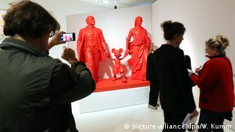 Скульптура Александра Косолапова Вождь, герой и бог на выставке в берлинском музее