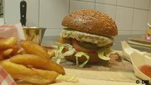 Titel: Germany's bug burgers Schlagwörter: eco@africa, environment, Germany, insects, sustainability, emissions, burger, Insekten,