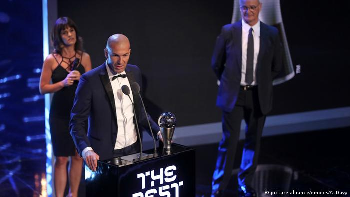 UK The Best FIFA Football Awards 2017 - Zinedine Zidane (picture alliance/empics/A. Davy)