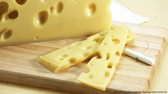 Swiss Cheese (picture-alliance/Anka Agency International)