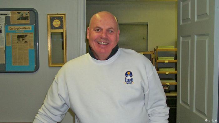 Dennis M. Hope Präsident der galaktischen Regierung (privat)
