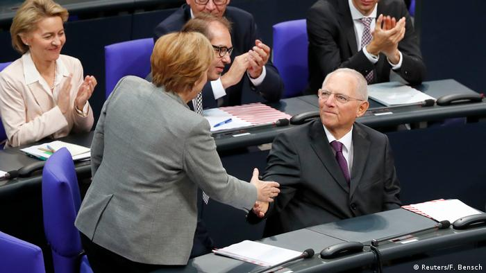 Merkel e Schäuble no Bundestag