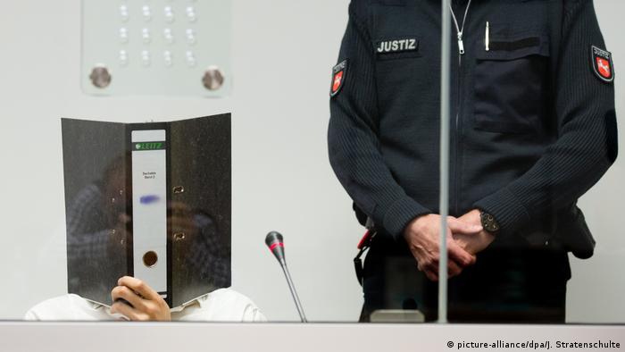 Deutschland 2015   Prozess gegen ehemalige IS-Kämpfer   Ayoub B.