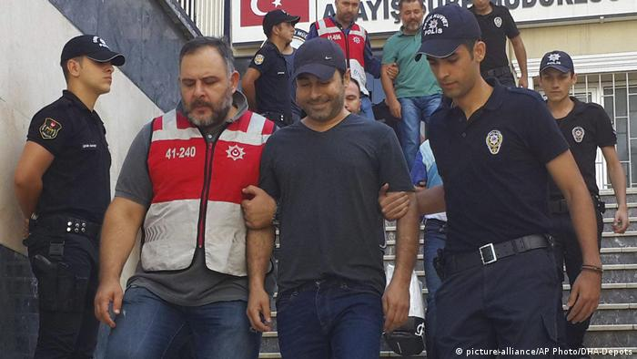 Atilla Taş ve Murat Aksoy'a hapis cezası