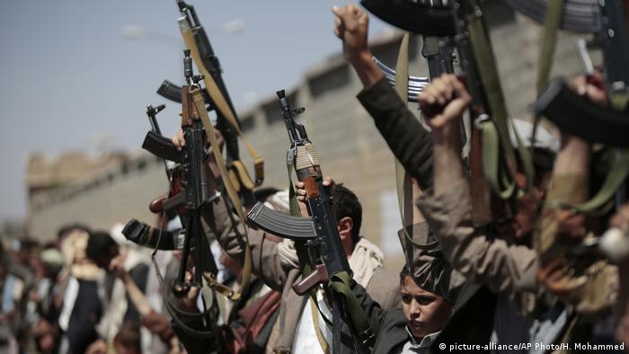 Tribesmen loyal to Houthi rebels mobilize in Sanaa