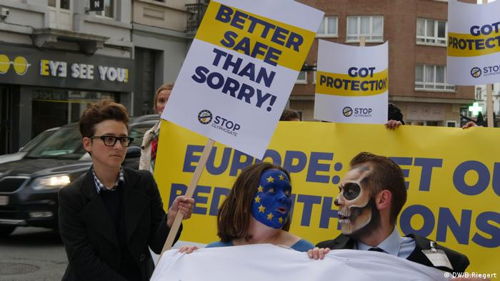 Поки експерти радилися щодо гліфосату, активісти провели перед Єврокомісією акцію проти використання гербіциду