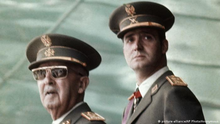 Katalonien Putsch von Februar 1981 Francisco Franco und König Juan Carlos (picture-alliance/AP Photo/Anonymous)