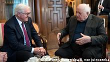 Russland Bundespräsident Frank-Walter Steinmeier mit dem ehemaligen Präsident der Sowjetunion, Michail Gorbatschow