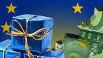 Wrapped gifts in front of the EU emblem