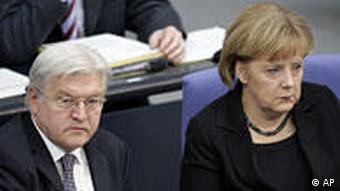 Steinmeier und Merkel (Foto: AP)