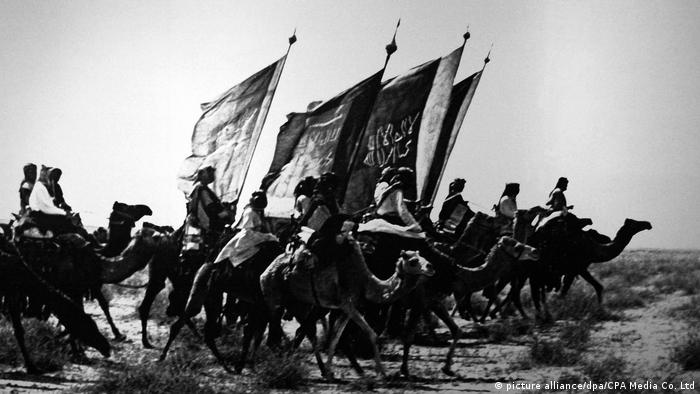 Saudi Arabia: Muslim warriors of Ibn Saud on camel backin Nejd, early 20th century (picture alliance/dpa/CPA Media Co. Ltd)