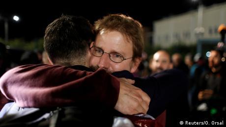 Απόφαση - έκπληξη του τουρκικού δικαστηρίου: Ελεύθερος ο Γερμανός ακτιβιστής Πέτερ Στόιτνερ