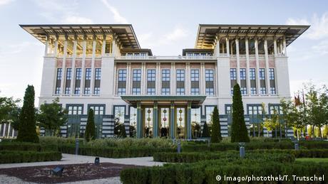 Oι τουρκικές προσδοκίες από την επίσκεψη Μπορέλ