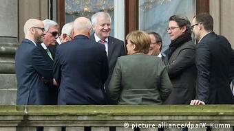 Συμφωνούν τα τέσσερα κόμματα ότι η Γερμανία θα πρέπει να μεταβαίνει στις Βρυξέλλες με σαφείς και συγκεκριμένες θέσεις