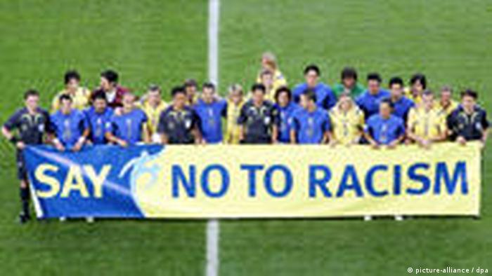 Anti-Rassismuskampagne italienischer Fußballer (picture-alliance / dpa)