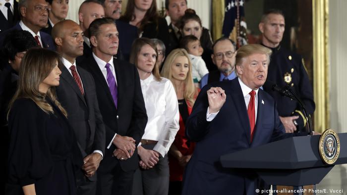 US-Präsident Donald Trump hält im Weißen Haus eine Rede vor Zuschauern