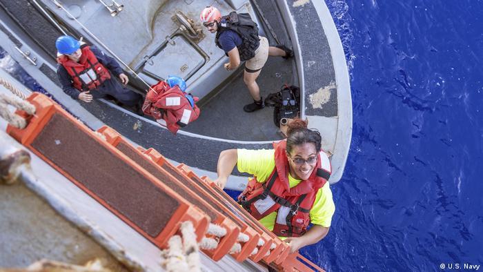 Rescue of sailors