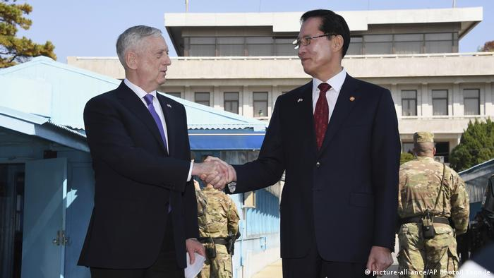 Jim Mattis, Song Young-moo (picture-alliance/AP Photo/J.Yeon-Je)