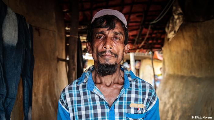 Rohingya father who is looking for his son