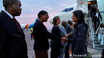 DRK US-Botschaftlerin bei der UN Nikki Haley in N'Djili Flughafen in Kinshasa