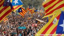 Spanien Barcelona - Befürwörter der Unabhängigkeit vor Katalanischem Regionalparlament