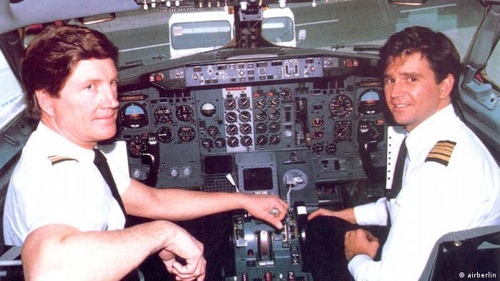 Kim Lundgren Mitgründer und Präsident der 'Air Berlin Inc.' und Pilot mit seinem Sohn Shane Lundgren (airberlin)