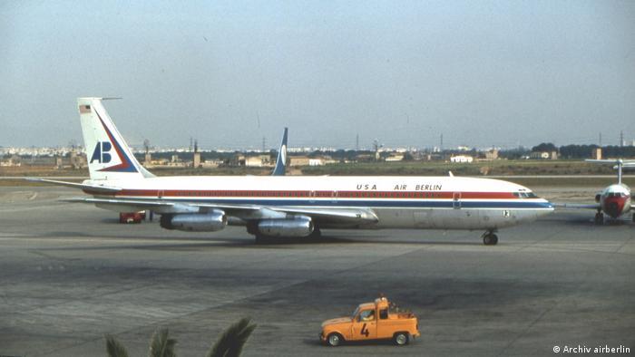 Air Berlin B707-331 auf dem Flughafen Palma de Mallorca, Lackierung 1979, Air Berlin USA (Archiv airberlin)