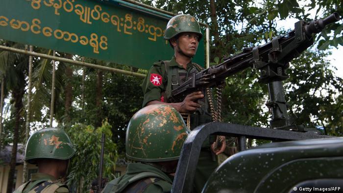 Myanmar Soldaten in Rakhine