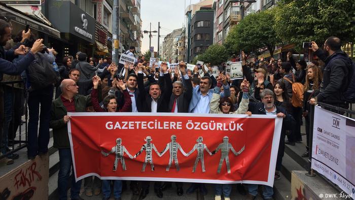 Türkei Demo für die Freilassung von Journalisten |