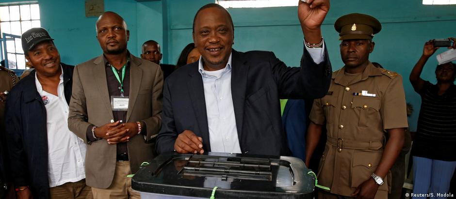 Uhuru Kenyatta já havia sido o vencedor do pleito anterior, que foi anulado pela Justiça