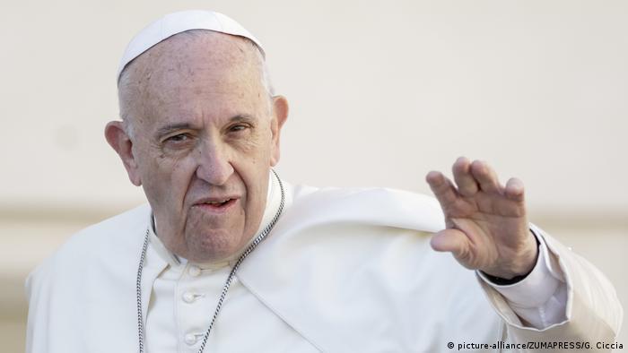 Papst Franziskus Warnt Vor Fake News Und Mahnt Journalisten