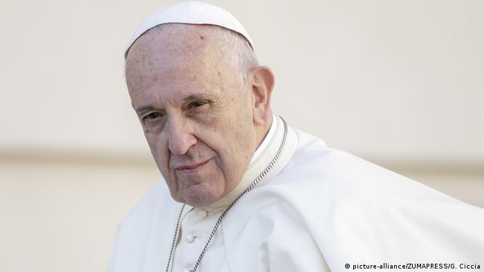 Vatikanstadt | Papst Franziskus bei wöchentlicher Audienz (picture-alliance/ZUMAPRESS/G. Ciccia)
