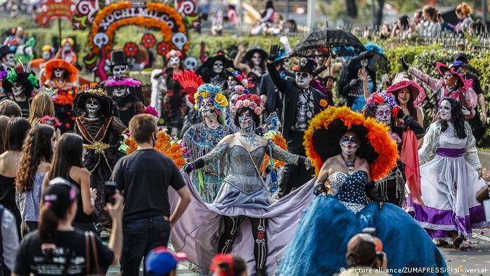 Mexiko | Tag der Toten (picture-alliance/ZUMAPRESS/El Universal)