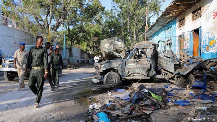 Somalia Mehrere Tote bei Anschlag mit zwei Fahrzeugbomben in Mogadischu