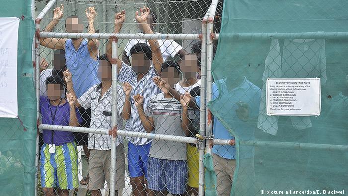 Australien - Flüchtlinge auf Manus Island 2014 (picture alliance/dpa/E. Blackwell)
