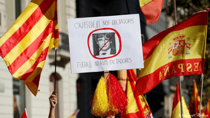 Demonstrations with flags and messages in Barcelona