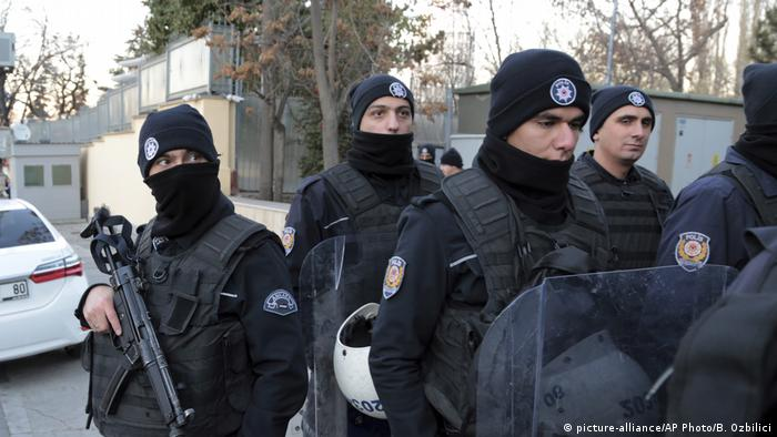 Türkei Polizei in Ankara (picture-alliance/AP Photo/B. Ozbilici)