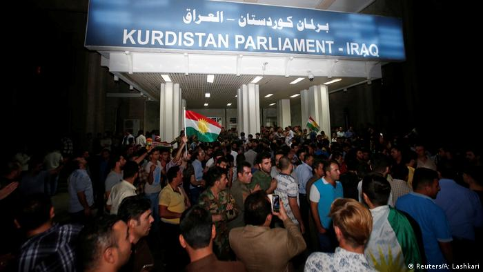 Irak Demonstranten stürmen Kurden-Parlament in Erbil (Reuters/A: Lashkari)