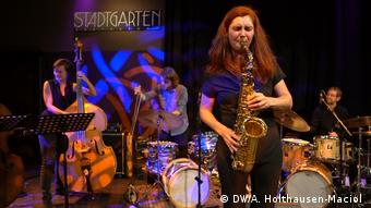 Angelika Niescier performs at Colognes Stadtgarten club (DW/A. Holthausen-Maciol )